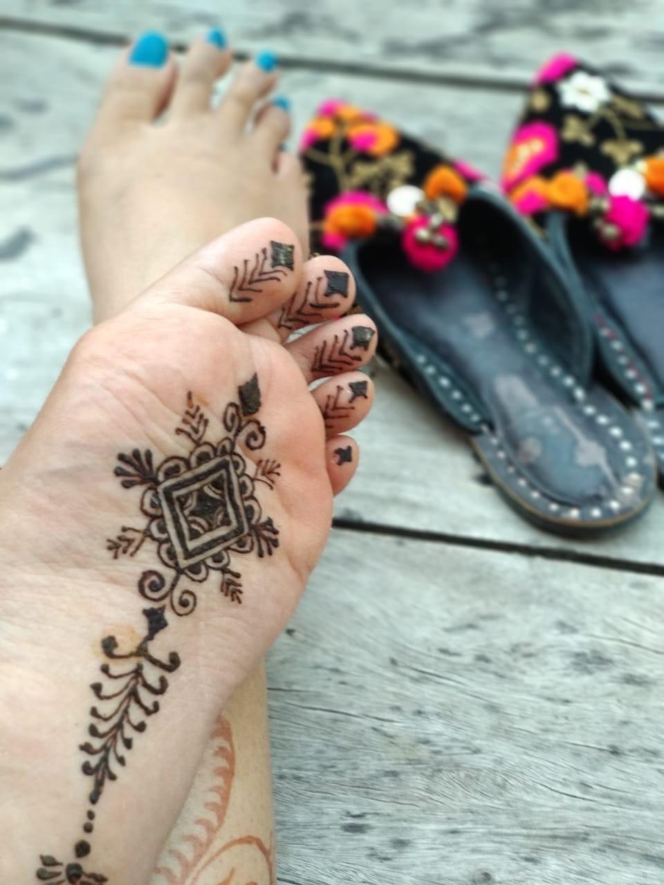 mehendi art by Payal Shrishrimal